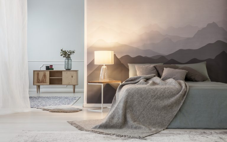 Mountains lover open space bedroom